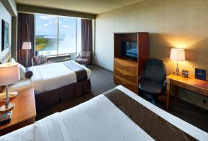 Premier Suite with Two Queen Beds and Falls View (Floors 8-20)