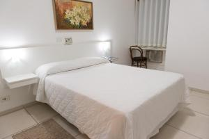 Luxury Single Room with Air Conditioning