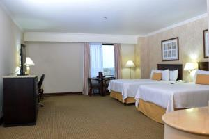 Executive Suite with Two Double Beds - Non-Smoking