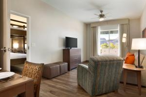 Queen Suite with Two Queen Size Bunk Beds