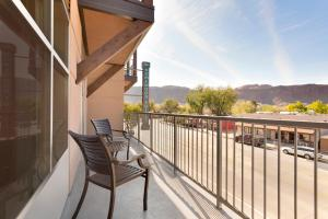 King Suite with Balcony and Mountain View
