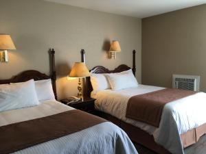 Double Room with Two Double Beds and River View