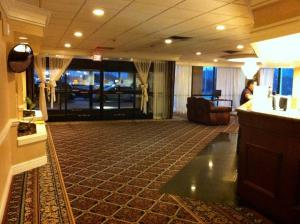 Photo of Governor's Inn & Suites