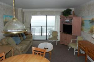 Two-Bedroom Ocean Front Condo (E)