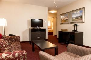Two-Bedroom Suite (6 Adults) - Pet Friendly - Non smoking