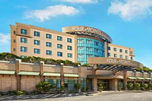 Four Points by Sheraton Vancouver Airport, Отели  Ричмонд - big - 1