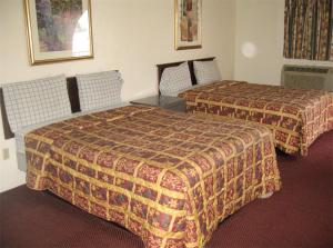 Deluxe King Room with Two King Beds, Non-Smoking