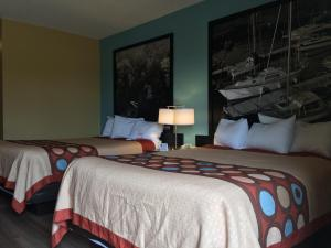 Pet Friendly - Two Queen Beds