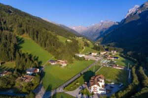 Hotel Alpin, Hotel  Colle Isarco - big - 36