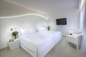 Oasis Lite Room (Non Refundable)