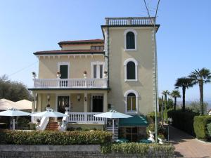 Photo of Hotel Villa Maria