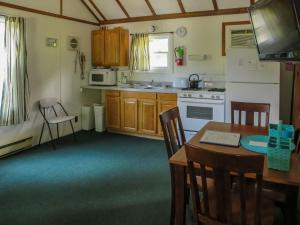 One Bedroom Cottage E