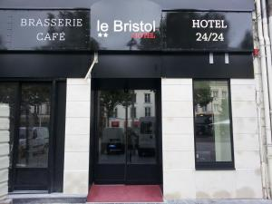 Photo of Hôtel Le Bristol