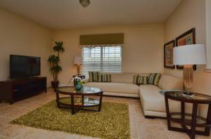 8935 Candy Palm Road Holiday Home, Ferienhäuser  Kissimmee - big - 6