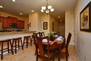8935 Candy Palm Road Holiday Home, Ferienhäuser  Kissimmee - big - 9