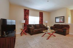 8967 Cat Palm Road Pool Home, Holiday homes  Kissimmee - big - 1