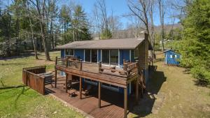 Lakeside Dreamin' Four-Bedroom Holiday Home, Case vacanze  McHenry - big - 15