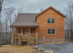 Log Me Inn Five-Bedroom Holiday Home, Holiday homes  McHenry - big - 29