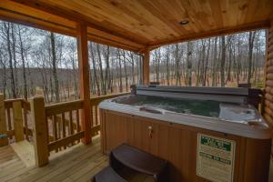 Log Me Inn Five-Bedroom Holiday Home, Holiday homes  McHenry - big - 28