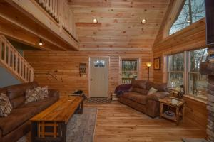 Log Me Inn Five-Bedroom Holiday Home, Holiday homes  McHenry - big - 26