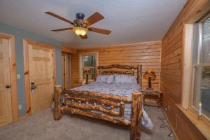 Log Me Inn Five-Bedroom Holiday Home, Holiday homes  McHenry - big - 20