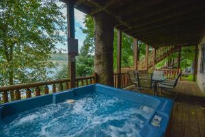 The Treehouse Six-Bedroom Holiday Home, Nyaralók  McHenry - big - 29