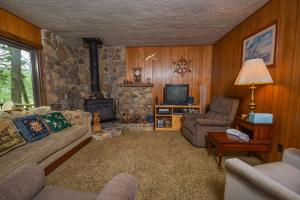 Rock Lodge Three-Bedroom Holiday Home, Dovolenkové domy  McHenry - big - 12