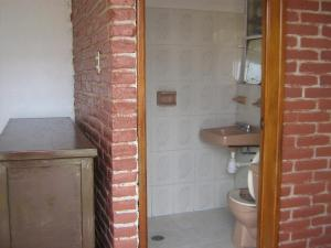 Basic Single Room with Shared Bathroom