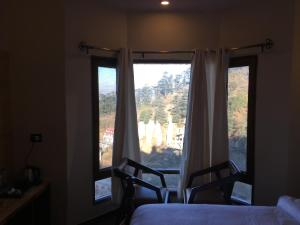 The Bodhi Tree B&B, Bed & Breakfasts  Shimla - big - 10