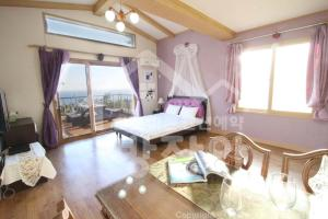 New Jeju pension, Holiday homes  Seogwipo - big - 3