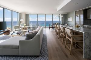 Premier Three-Bedroom Suite with Ocean View