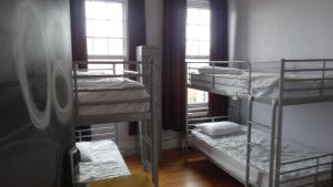 Bed in 8-Bed Mixed Dormitory Room (bathroom intside room)