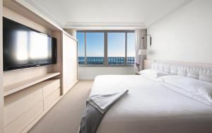 One Bedroom Suite Ocean Front - Sweet Credit includes $100 Daily Resort Credit