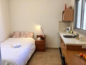 Kfar Saba Center Apartment, Appartamenti  Kefar Sava - big - 26
