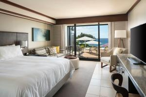 King or Queen Room with Premium Ocean View Ground Floor - Newly Renovated