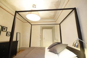 Boboli Frescoes Halldis Apartment, Appartamenti  Firenze - big - 10