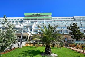 Hotel Hedera - Maslinica Hotels & Resorts Rabac - Pensionhotel - Hotely
