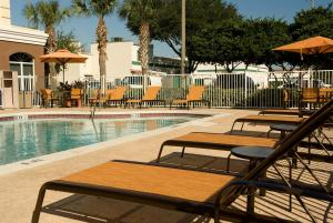 Fairfield Inn & Suites By Marriott Orlando Lake Buena Vista