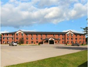 Photo of Days Inn & Suites Des Moines Airport