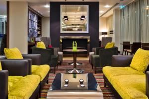 Hampton by Hilton Luton Airport (10 of 24)