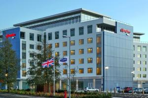Hampton by Hilton Luton Airport (1 of 24)