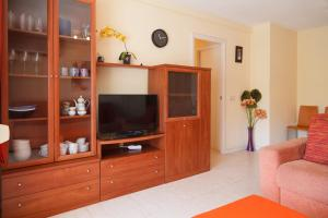 UHC Rhin Apartments, Apartments  Salou - big - 29