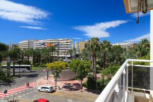 UHC Rhin Apartments, Apartments  Salou - big - 39