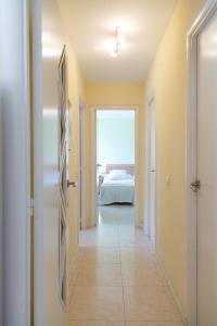 UHC Rhin Apartments, Apartments  Salou - big - 31