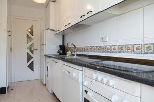 UHC Rhin Apartments, Apartments  Salou - big - 28