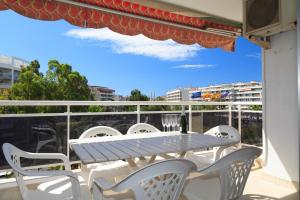 UHC Rhin Apartments, Apartments  Salou - big - 2