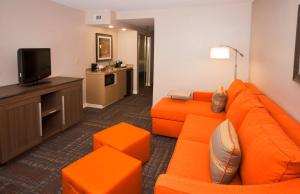 Extended Suite Two Queen Beds with separated living area - Non Smoking