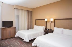 Queen Suite with Two Queen Beds and Roll-In Shower - Disability Access/Non-Smoking