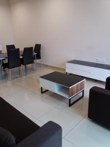 Urban Sanctuary Resort Condo @ Larkin, Apartments  Johor Bahru - big - 3