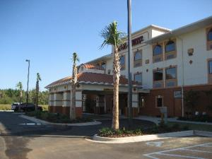 Bay Inn and Suites - Loxley